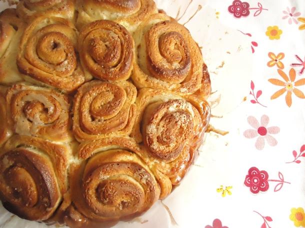 Cinnamon rolls 001