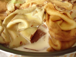 Gâteau de crèpes aux pommes et caramel 021