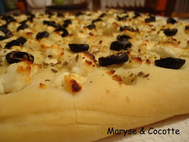 Foccacia chèvre et olives 035