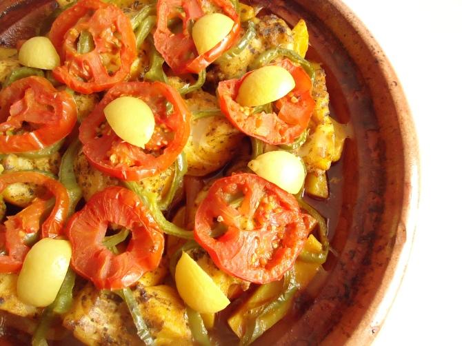 Tagine de dos de cabillaud avec pommes de terre et carottes 030