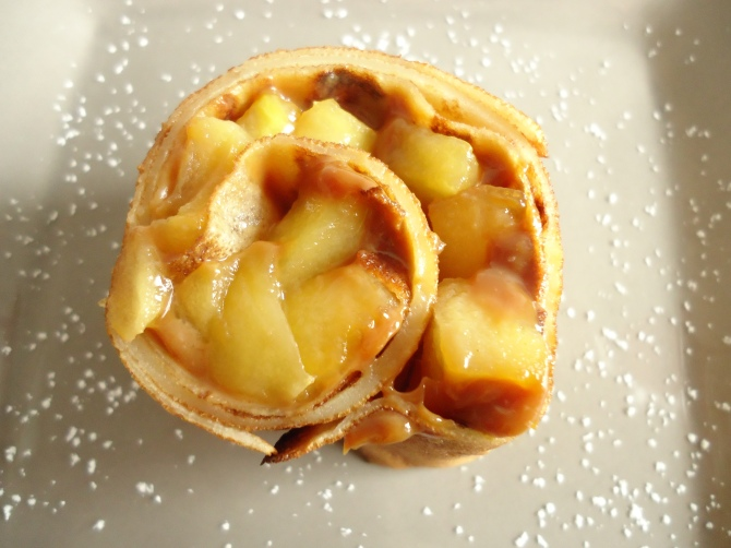 Roulé de crêpes aux pommes 062